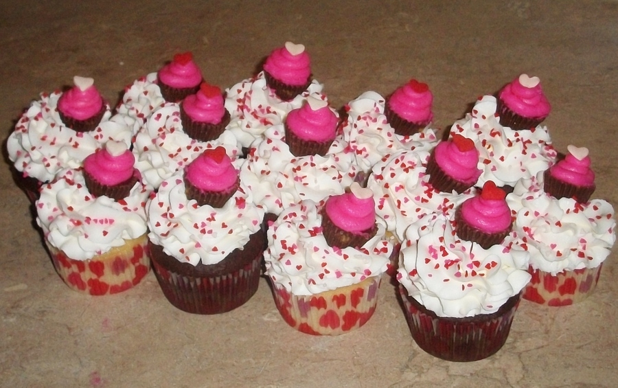Valentines Day Cupcake Cupcakesjpg on Cake Central