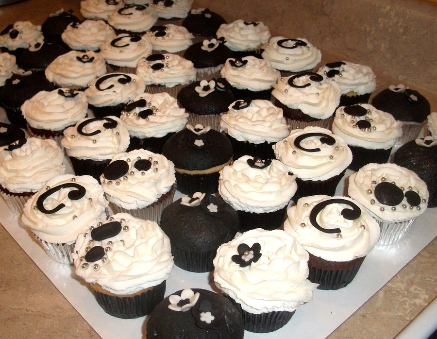 Black And White Cupcakesjpg  on Cake Central