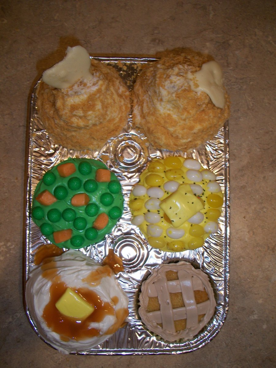 Thanksgiving Dinner Cupcakes on Cake Central