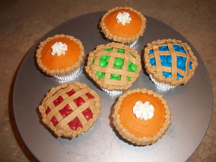 Thanksgiving Day Pie Cupcakes on Cake Central