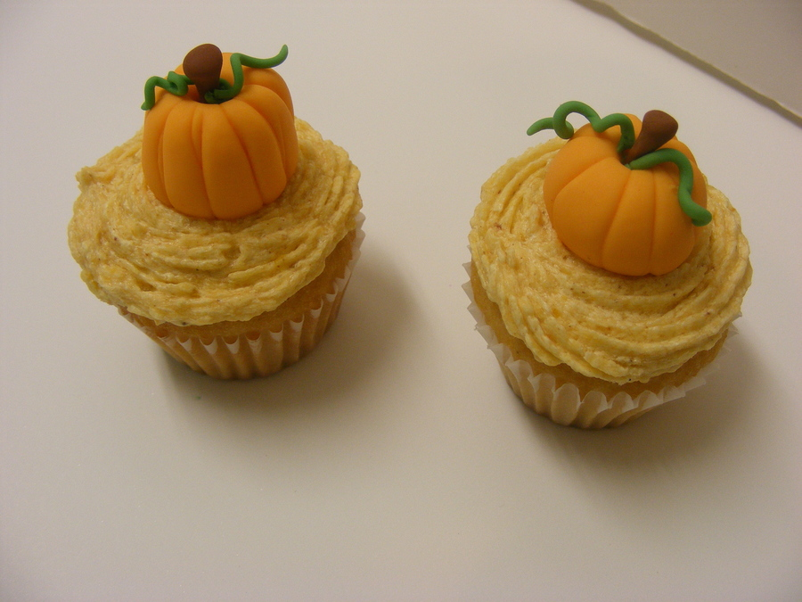 Mini Pumpkins on Cake Central