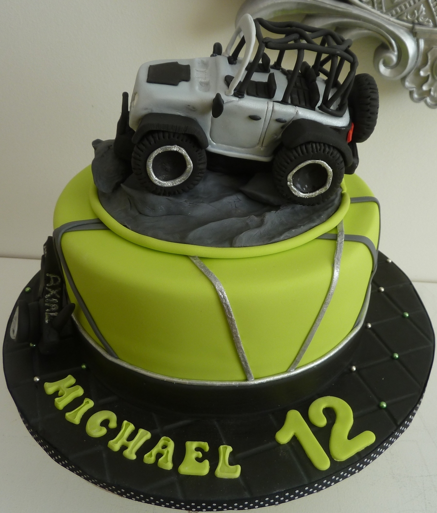 Rubicon Jeep Fondant Cake Truck Is Made Of Rk Covered With Fondant