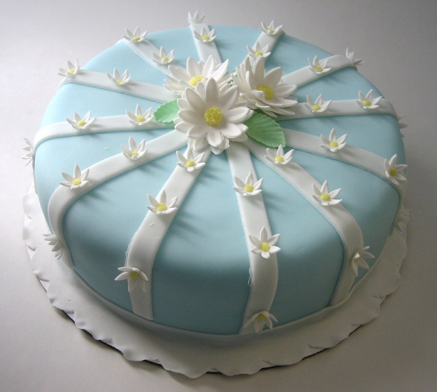 Daisies & Ribbons Cake on Cake Central