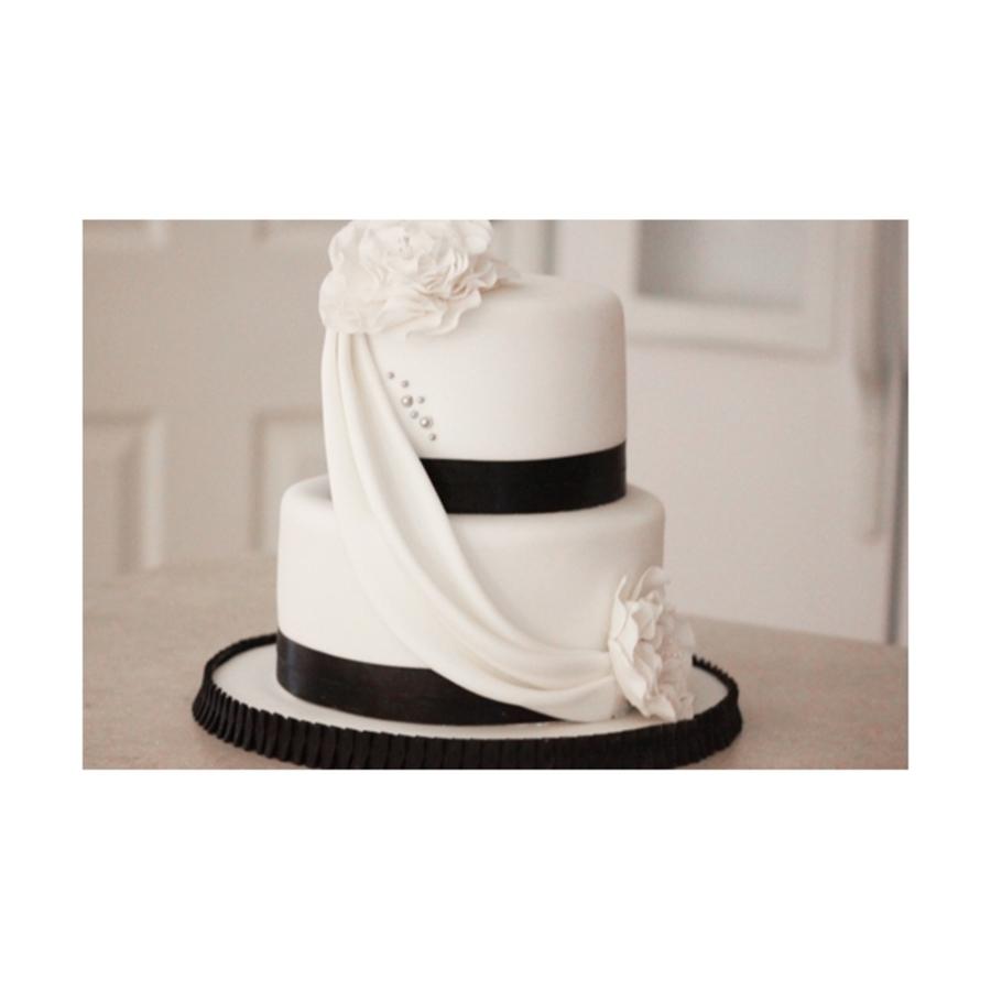 Small Black White Wedding Cake Cakecentral Com