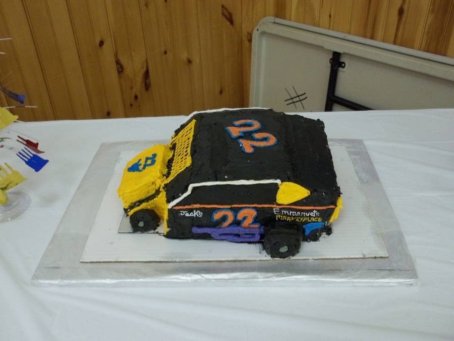 Nick's Race Car on Cake Central