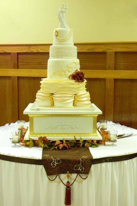 Antique Wedding - CakeCentral.com