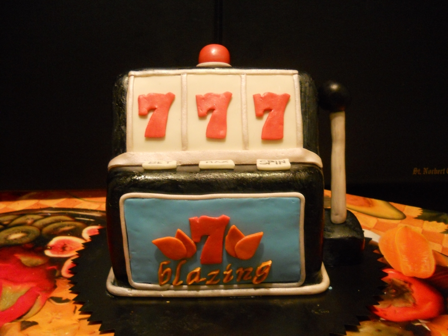 Slot Machine on Cake Central