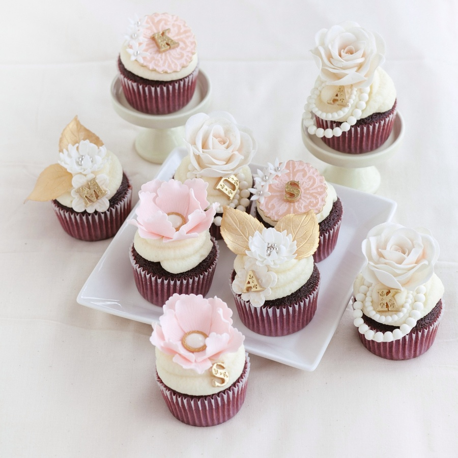 M: 24 Count Bling Diamond Ring Glitter Cupcake Bridal shower cupcake pictures