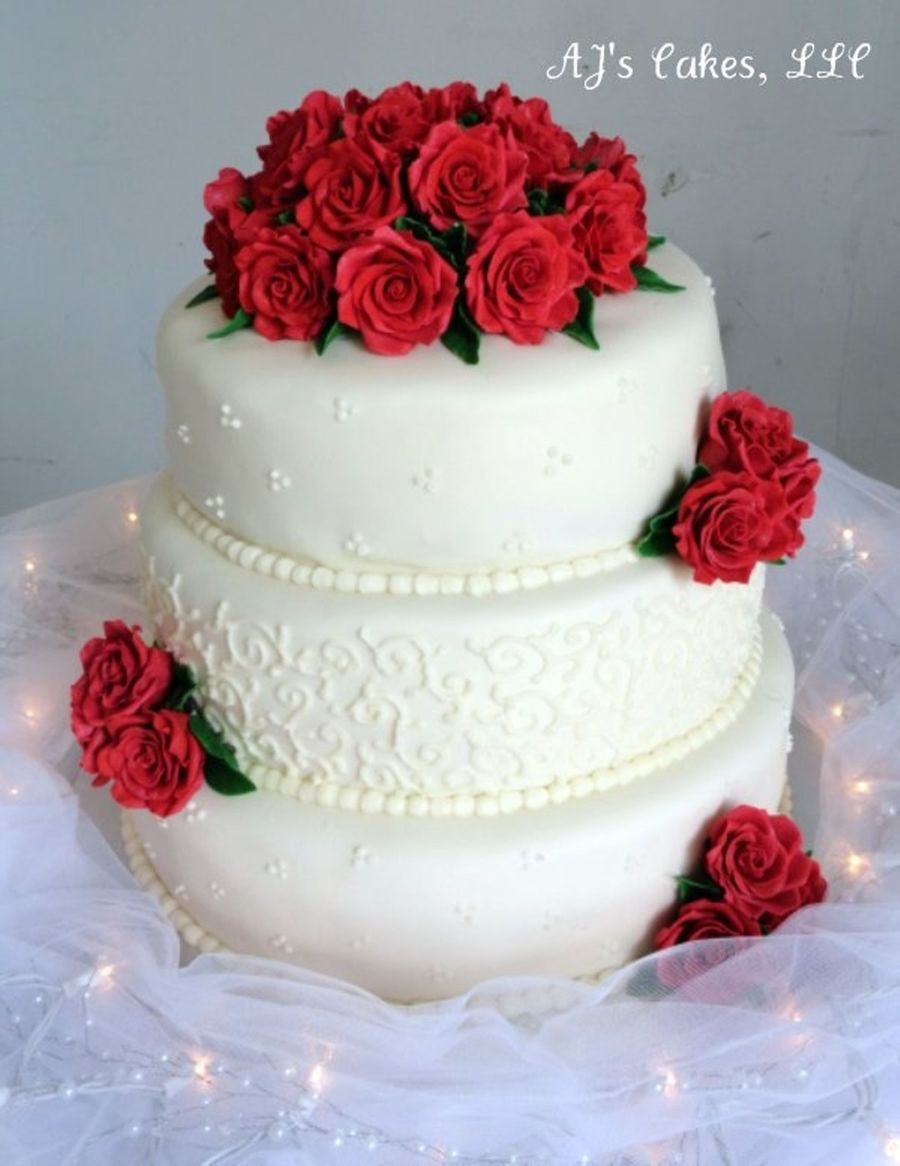 wedding cake with fresh red roses wedding cake cakecentral 26895