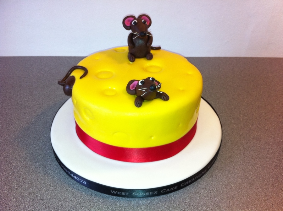 Mouse In Cheese  on Cake Central