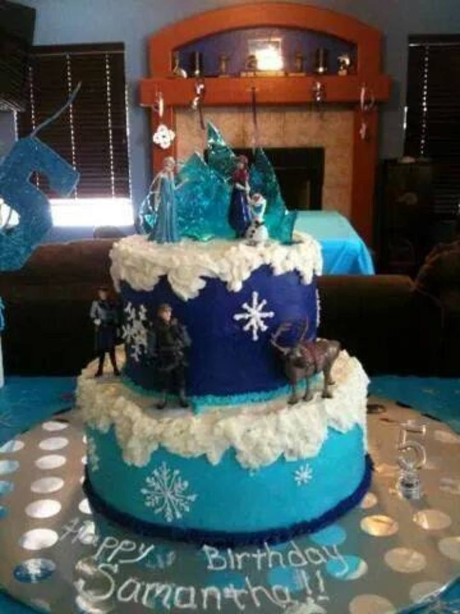 Frozen Themed Cake 8 And 12 Rounds Covered With Yummy Vanilla Buttercream This Is My
