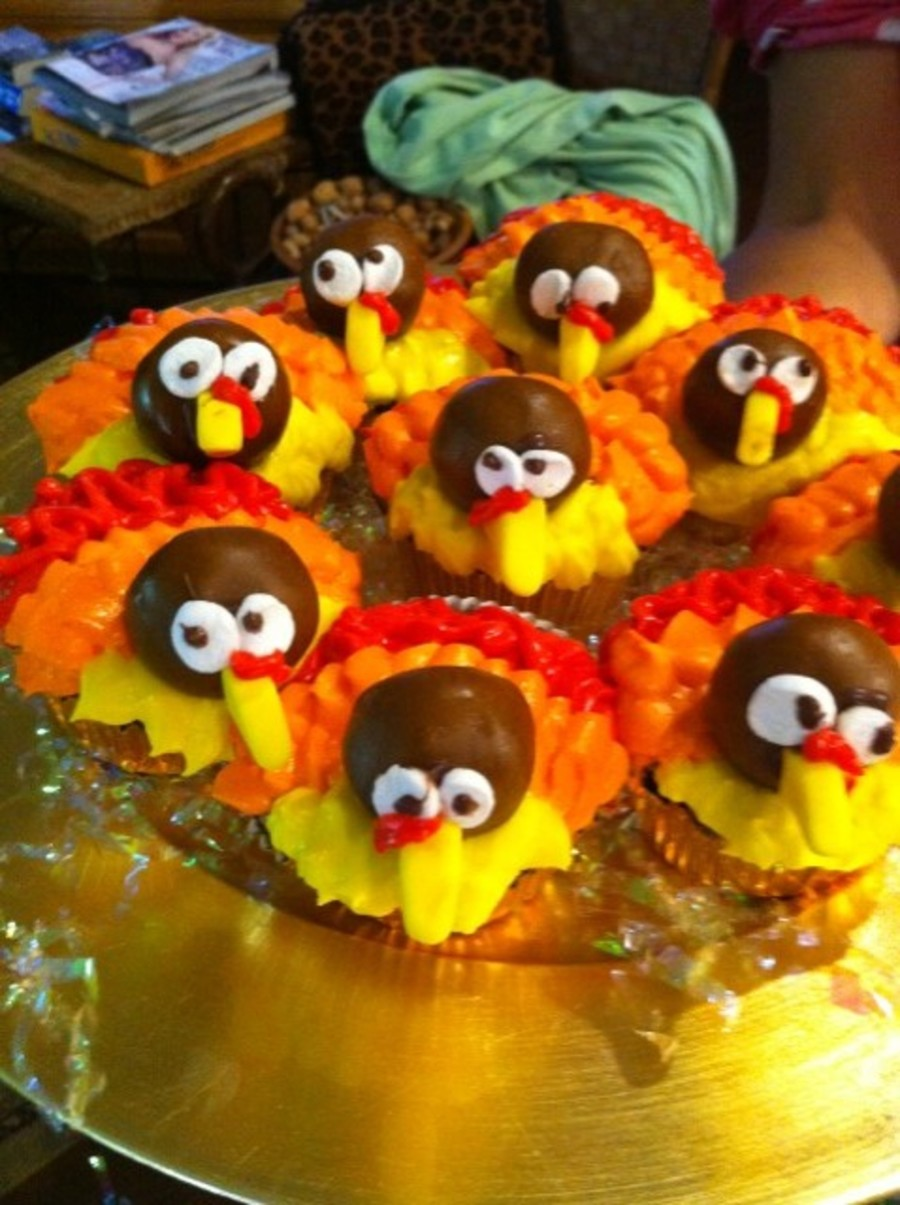 Turkey Cupcakes! on Cake Central