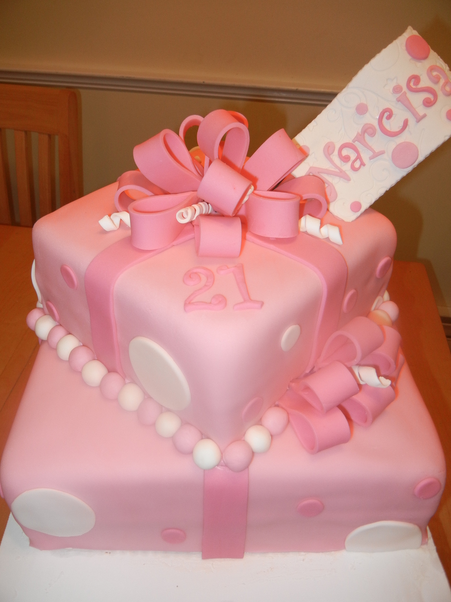 Peachy 21St Birthday Cake Cakecentral Com Personalised Birthday Cards Veneteletsinfo