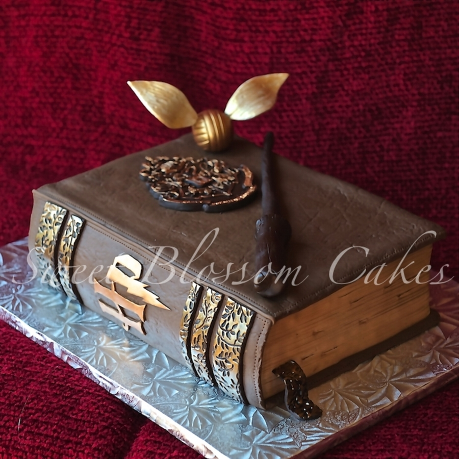 Harry Potter Book on Cake Central