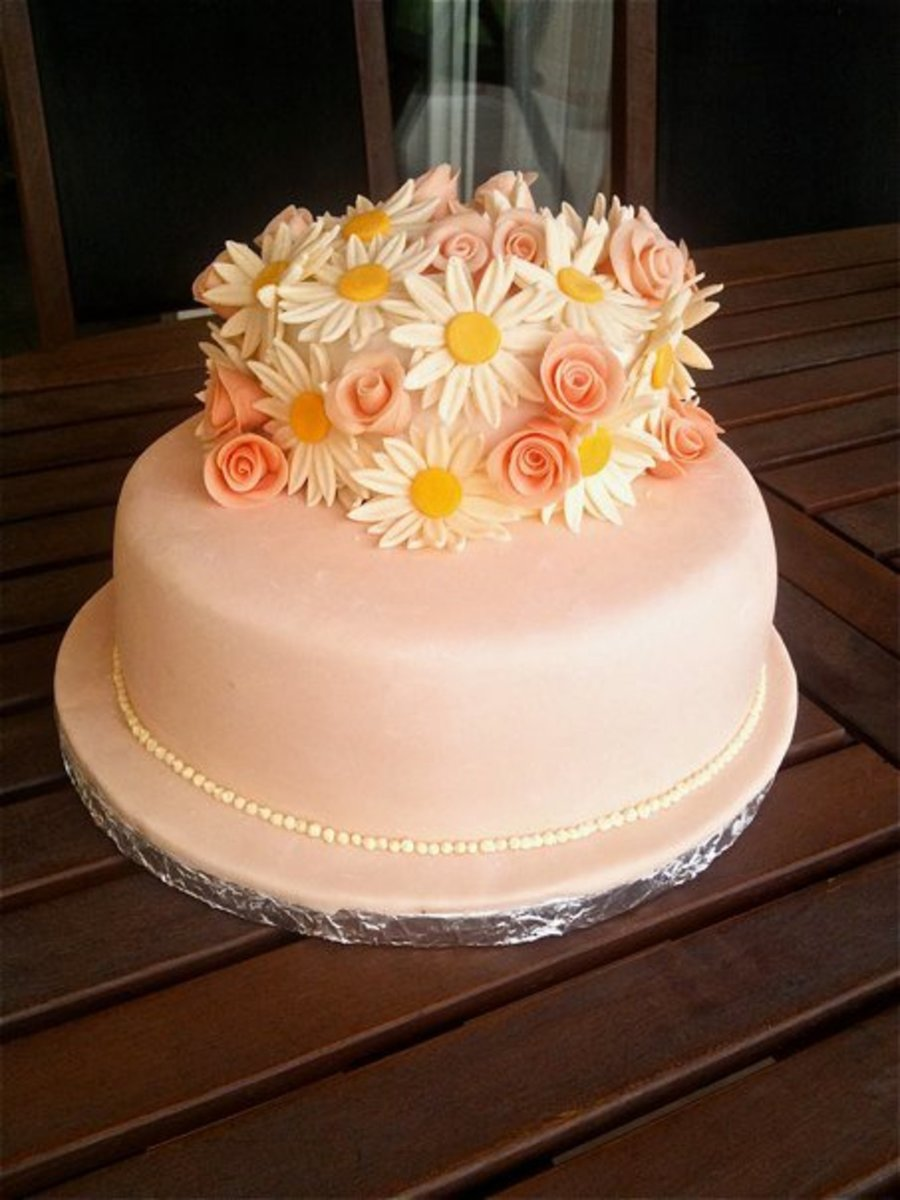 Daisy And Rose Cake on Cake Central