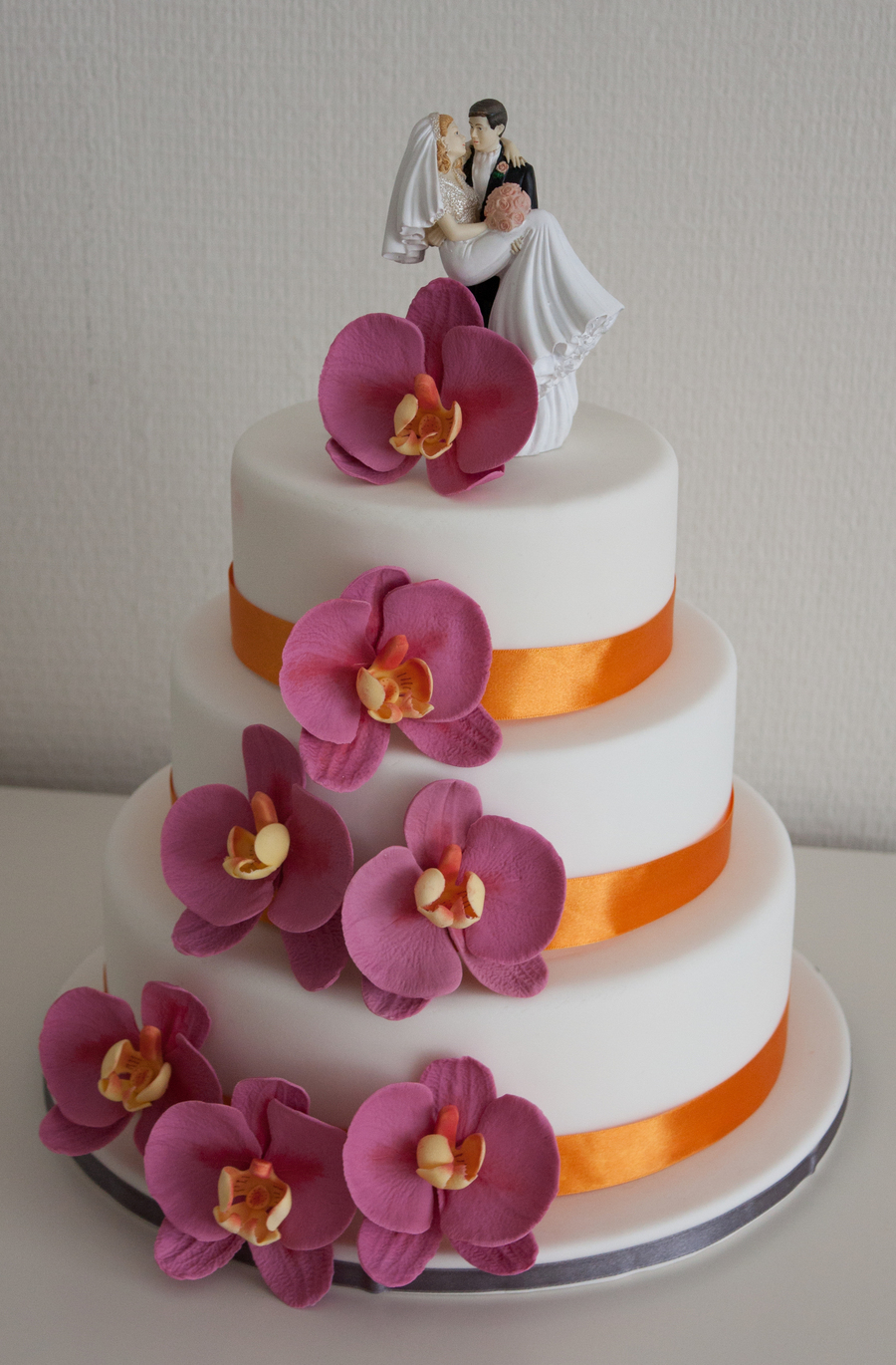Fuchia Orchids on Cake Central