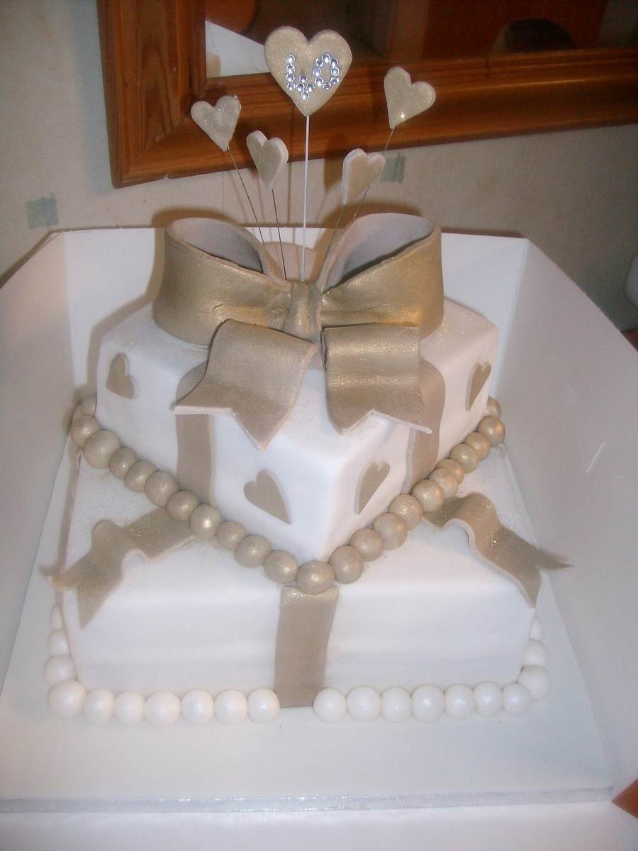 40Th Birthday Cake Gold Ivory  on Cake Central