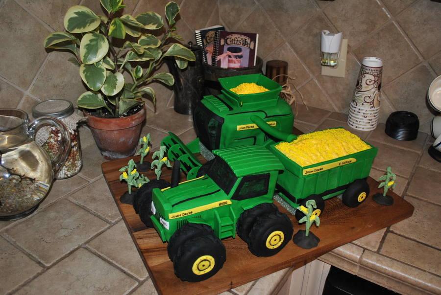 Prime John Deere Tractor And Combine Harvesting Cakecentral Com Funny Birthday Cards Online Amentibdeldamsfinfo