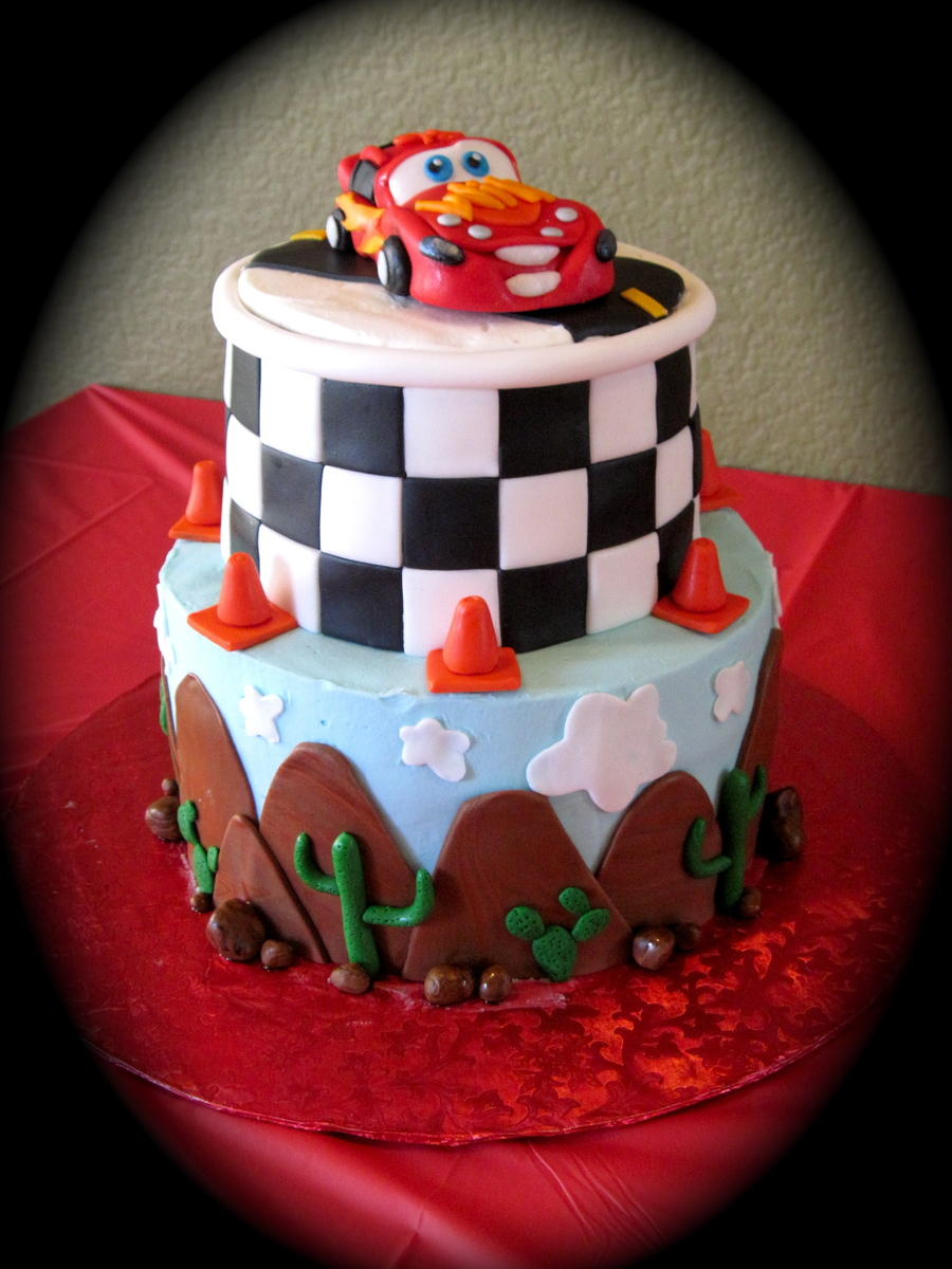 Car Cake Images Download : Disney Cars Theme Cake - CakeCentral.com