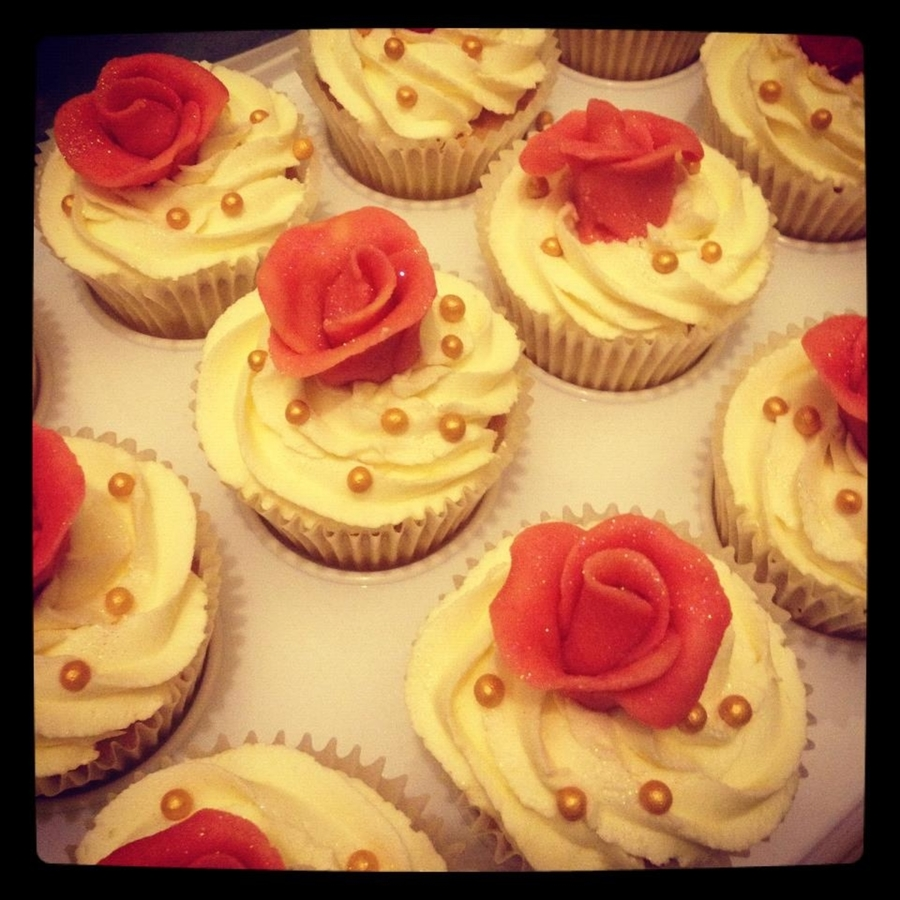 Vintage Gold And Coral Rose Cupcakes on Cake Central