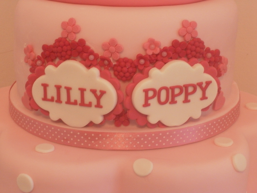 Minnie Mouse Twin Birthday Cake CakeCentralcom