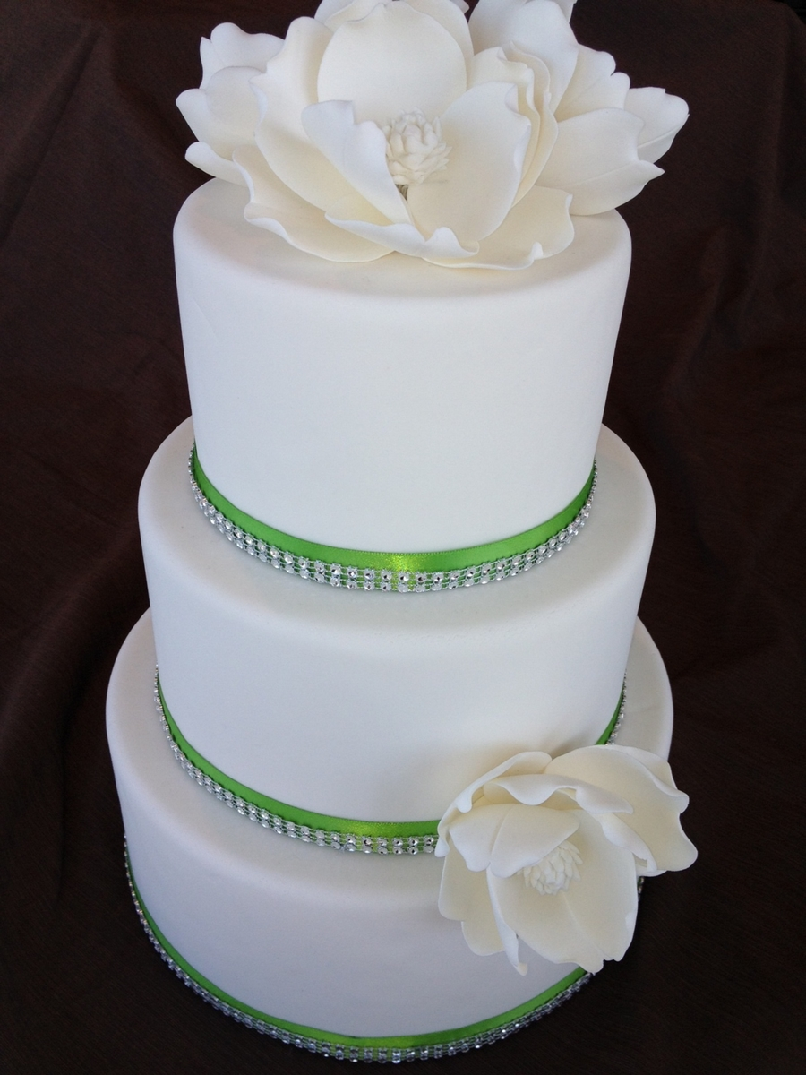 Magnolias And Bling on Cake Central