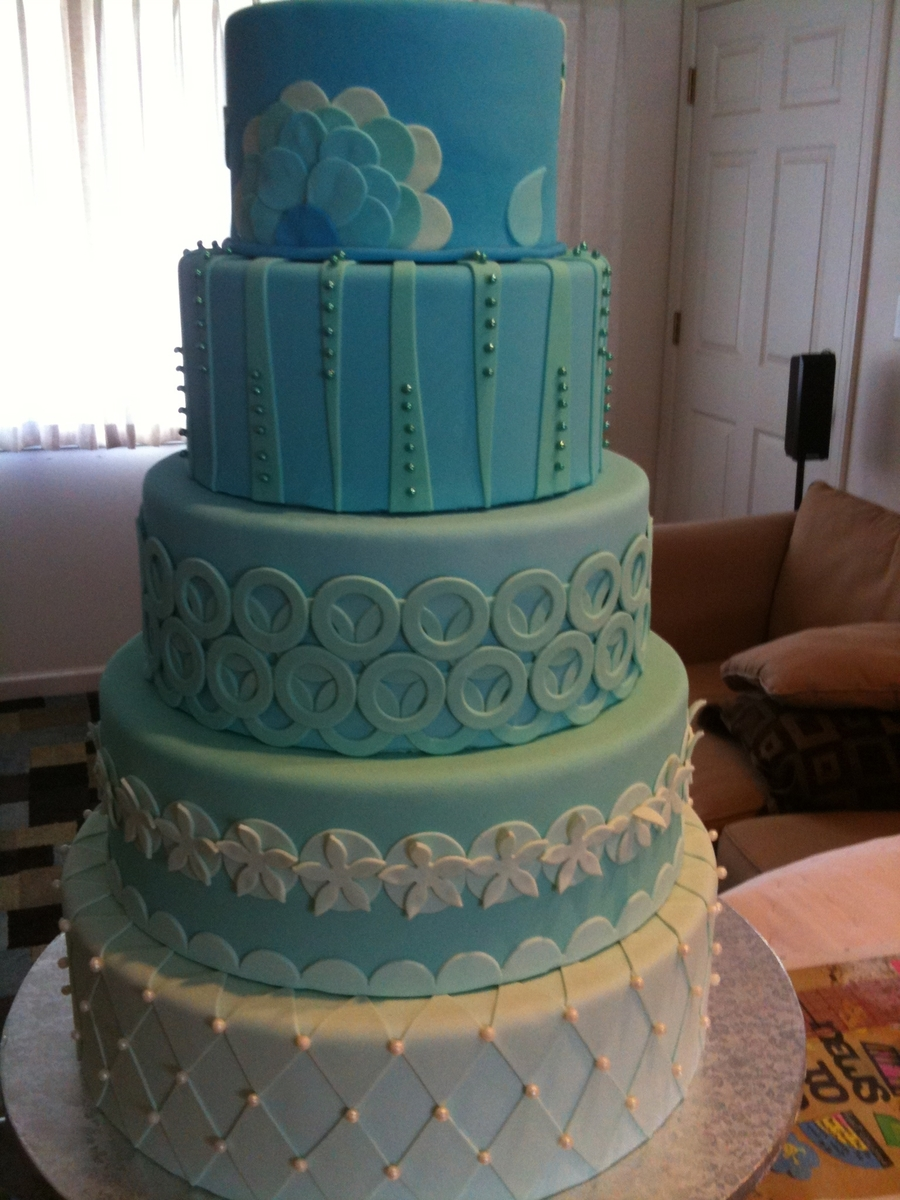 5 Tiers Of Blue  on Cake Central