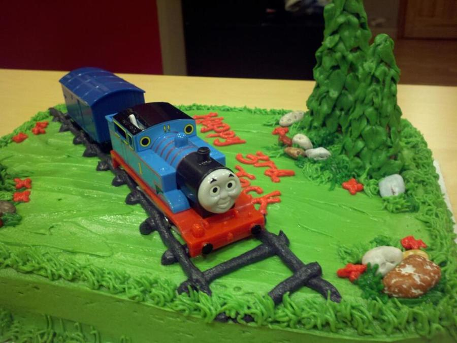 Stupendous Thomas The Train Birthday Cake Cakecentral Com Funny Birthday Cards Online Eattedamsfinfo