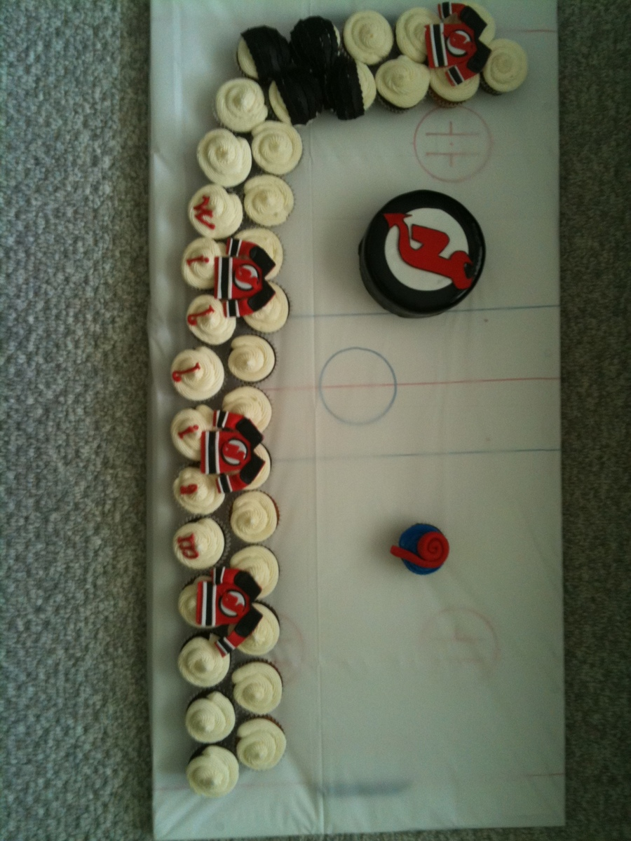 Hockey Cupcakes on Cake Central
