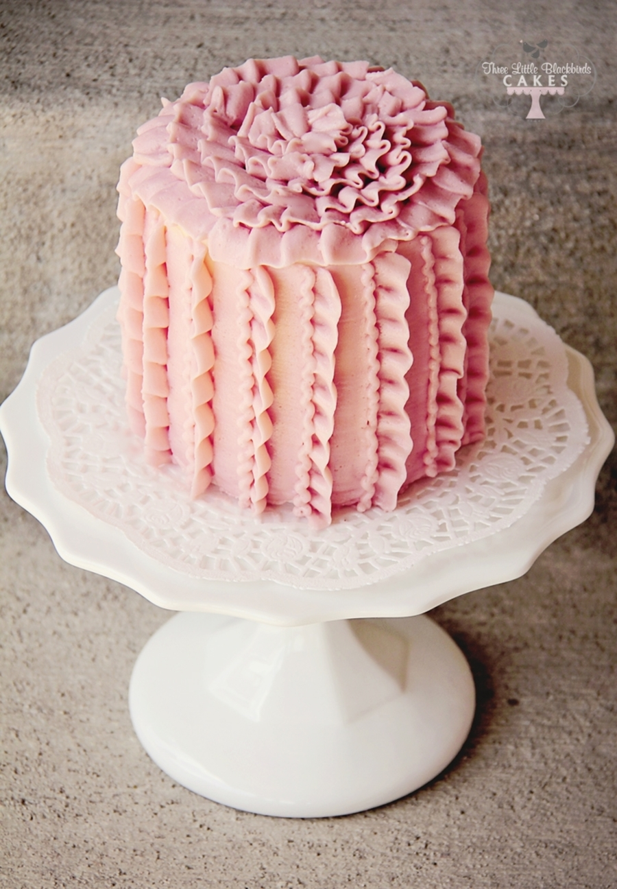 Vertically Ruffled on Cake Central
