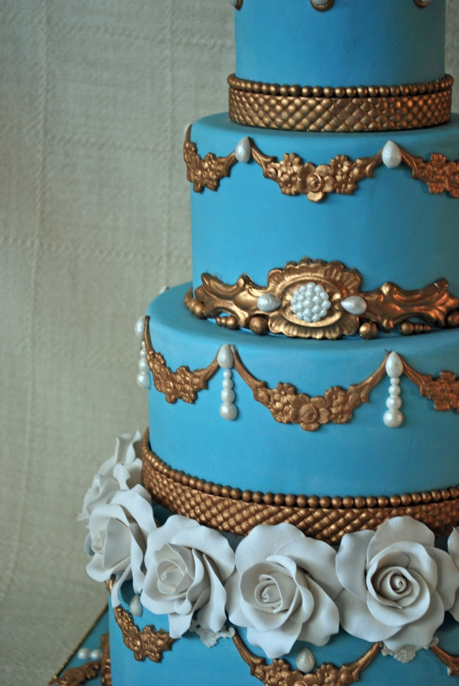 blue gold wedding cakes blue and gold wedding cake cakecentral 11987