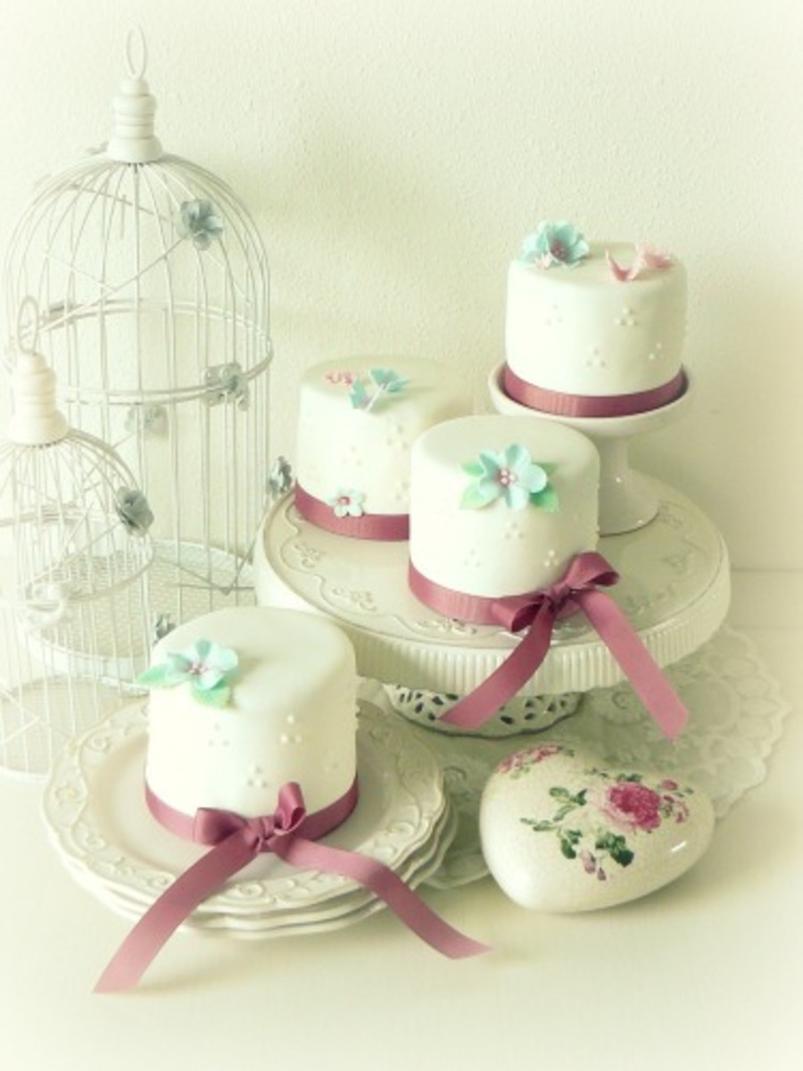 Mini Wedding Cakes on Cake Central