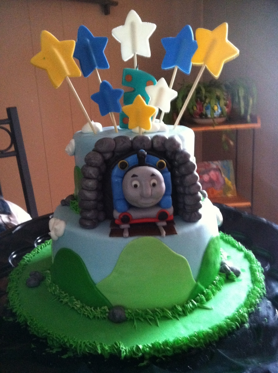 Thomas The Train on Cake Central