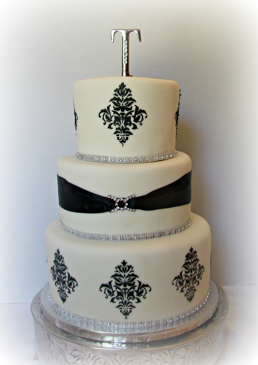Black And White Classic on Cake Central