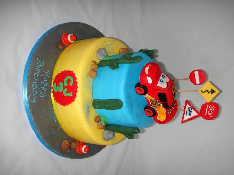 Cake Decorations Lightning Mcqueen : Lightning Mcqueen Cake - CakeCentral.com