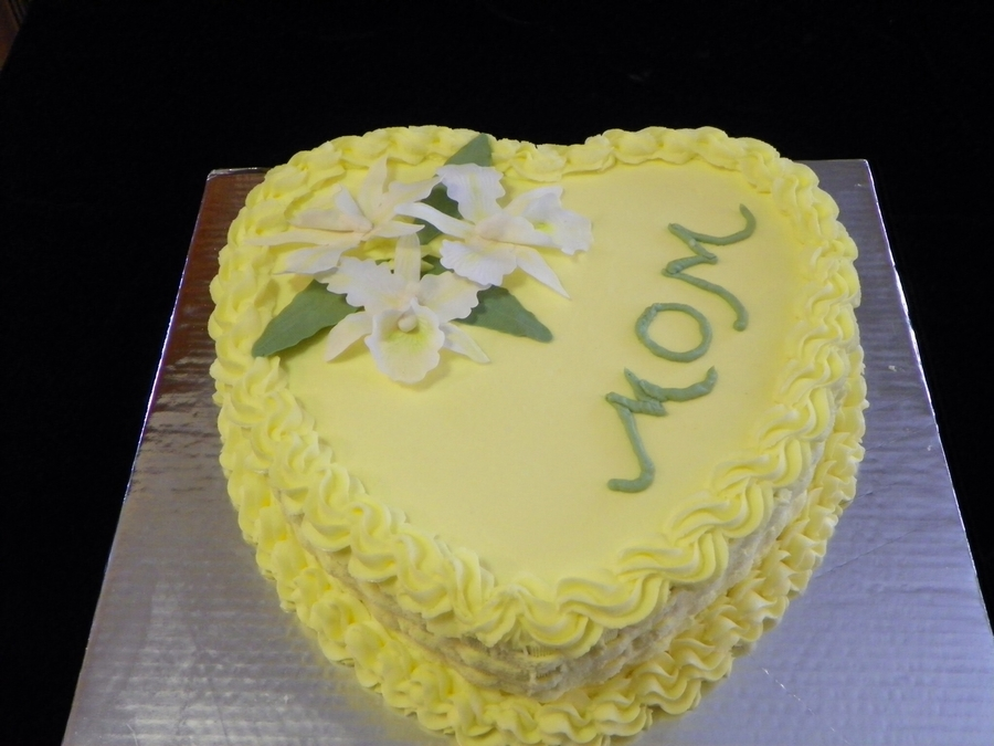 A Heart For Mom on Cake Central