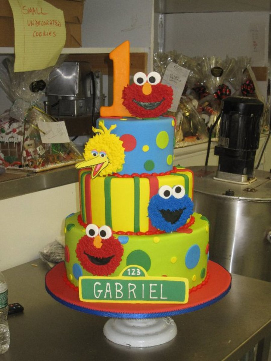 Celebrate With Sesame Street on Cake Central