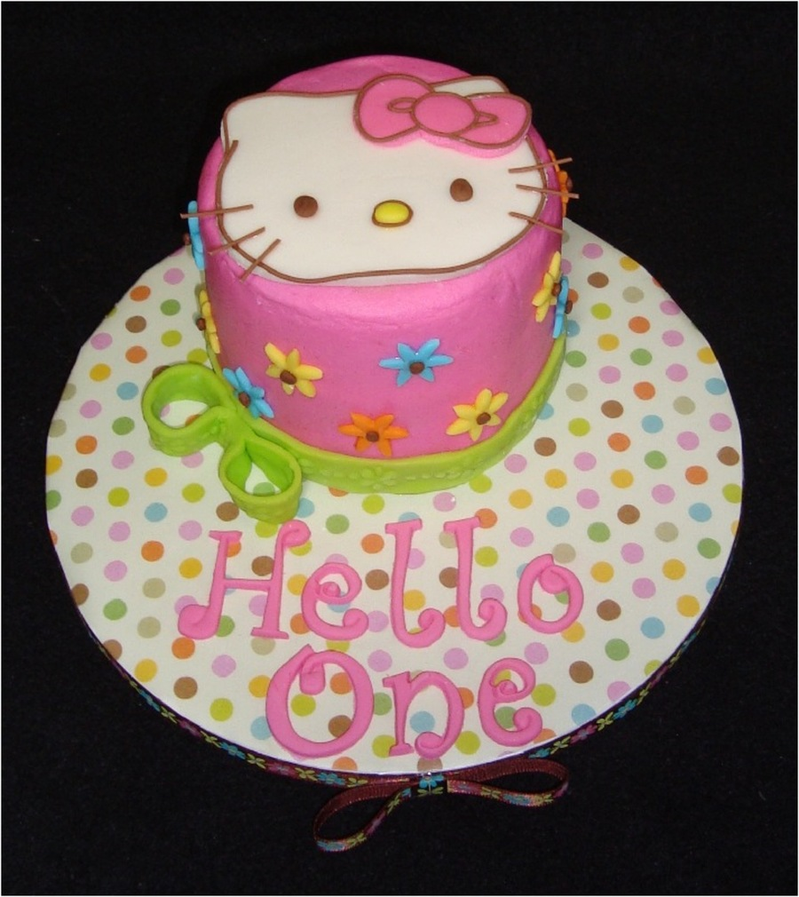 Hello Kitty First Birthday CakeCentralcom