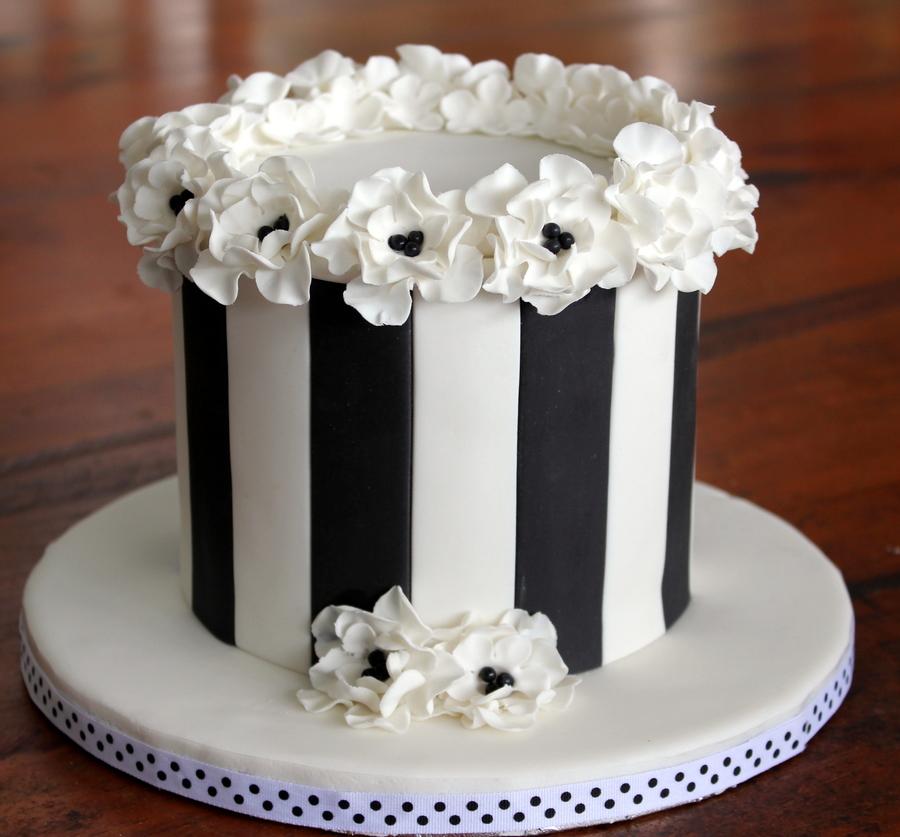 Elegant Floral Black And White Blossom Cake Cakecentral Com