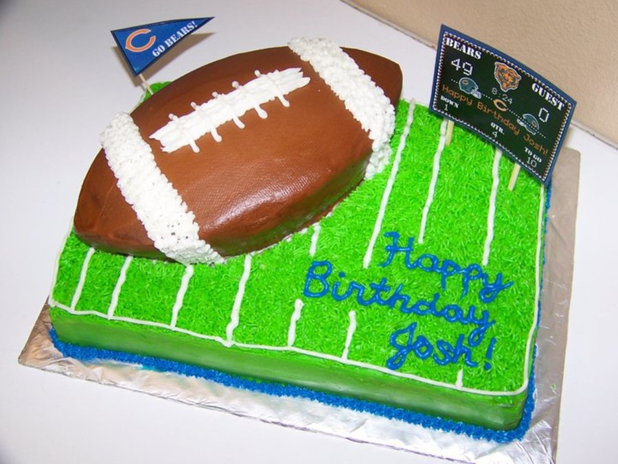 Wondrous Chicago Bears Football Birthday Cake With Turf Grass Cakecentral Com Funny Birthday Cards Online Fluifree Goldxyz