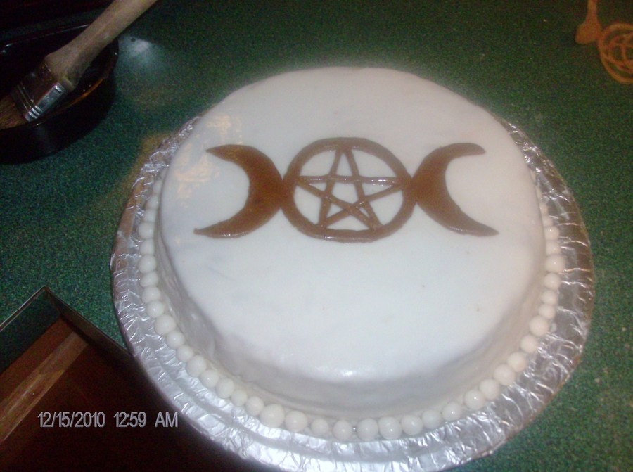 Engagment Cake For Wiccans on Cake Central