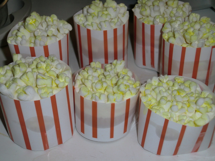 """popcorn"" Cupcakes on Cake Central"