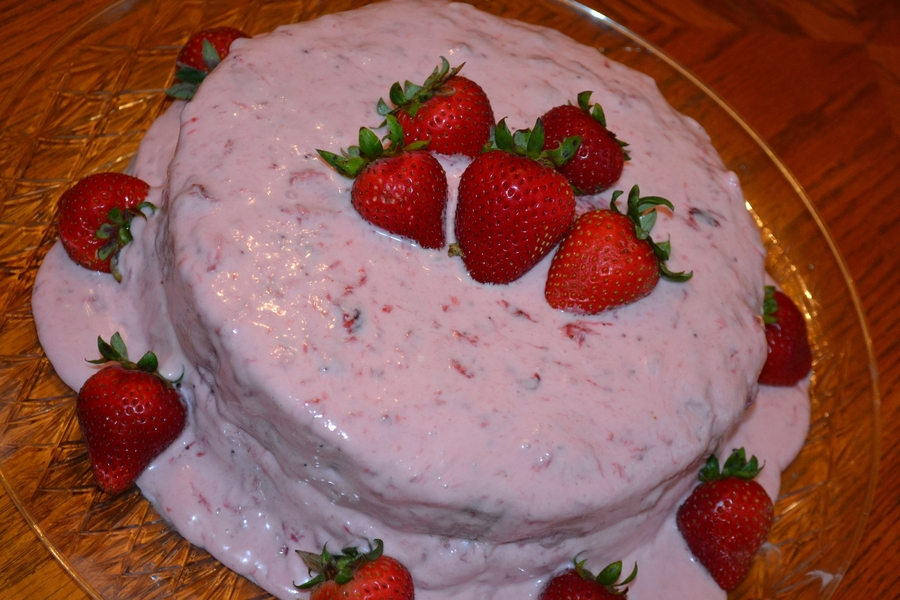 Strawberry Dessert Cake  on Cake Central