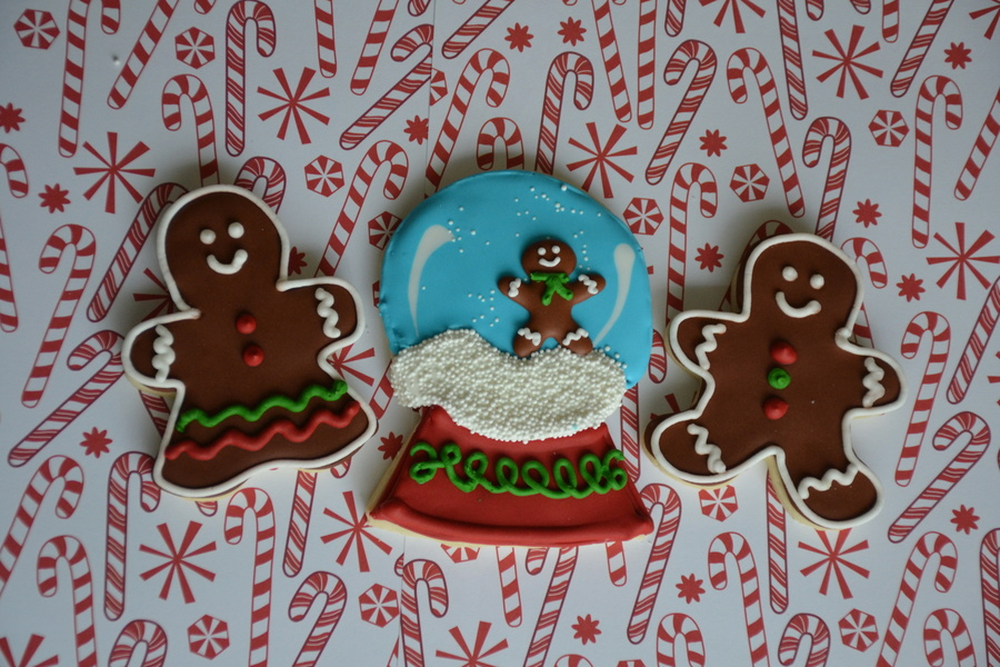 Christmas Cookie Snow Globe With Gingerbread Boy Amp Girl