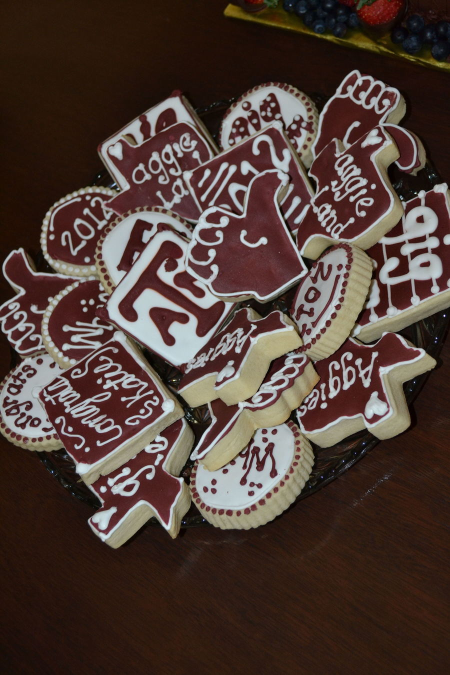 Texas Aampm Aggie Maroon Amp White Graduation Cookies on Cake Central