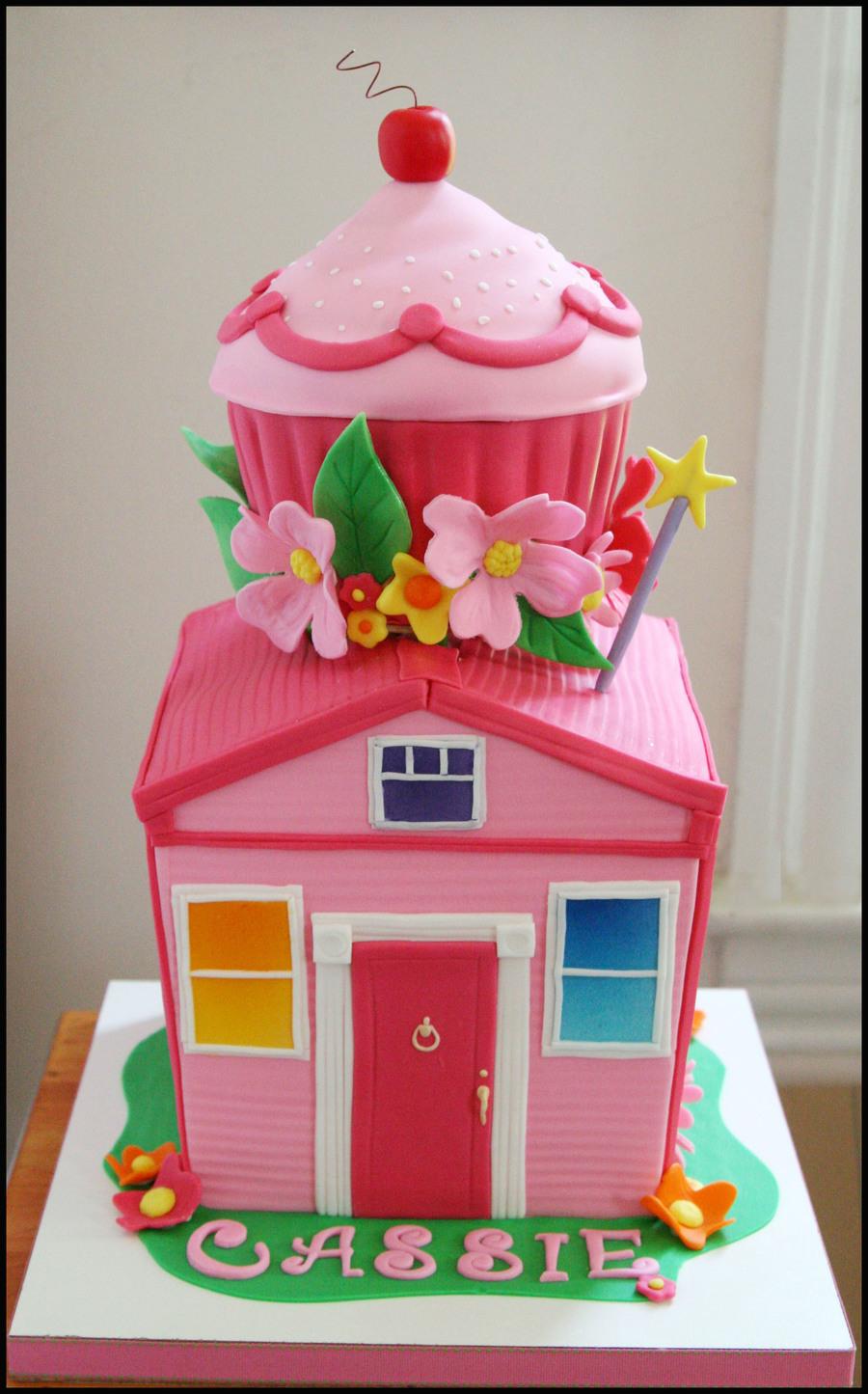 Pinkalicious Cake - CakeCentral.com
