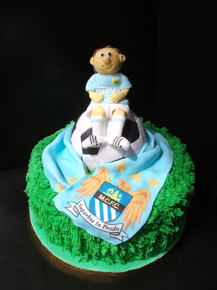 Manchester City Cake - CakeCentral.com