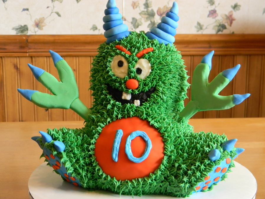Alien Monster Cake  on Cake Central