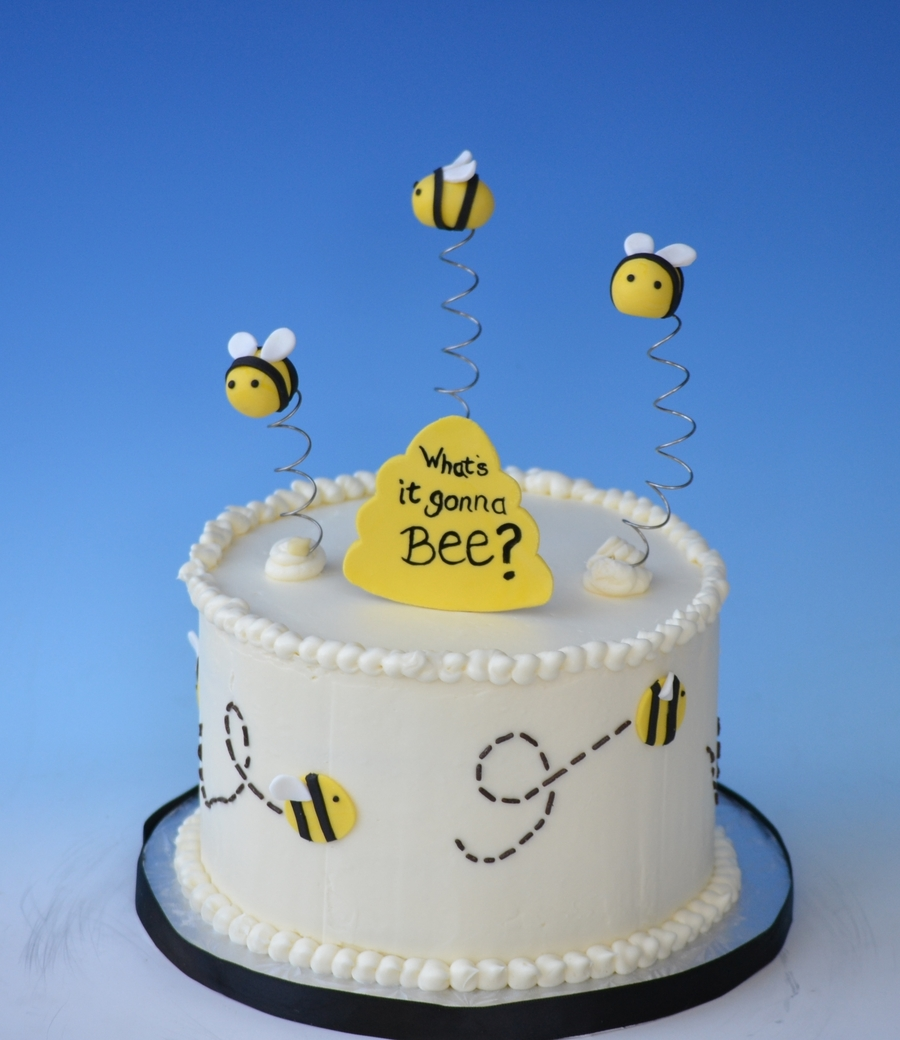 What's It Gonna Bee?  on Cake Central