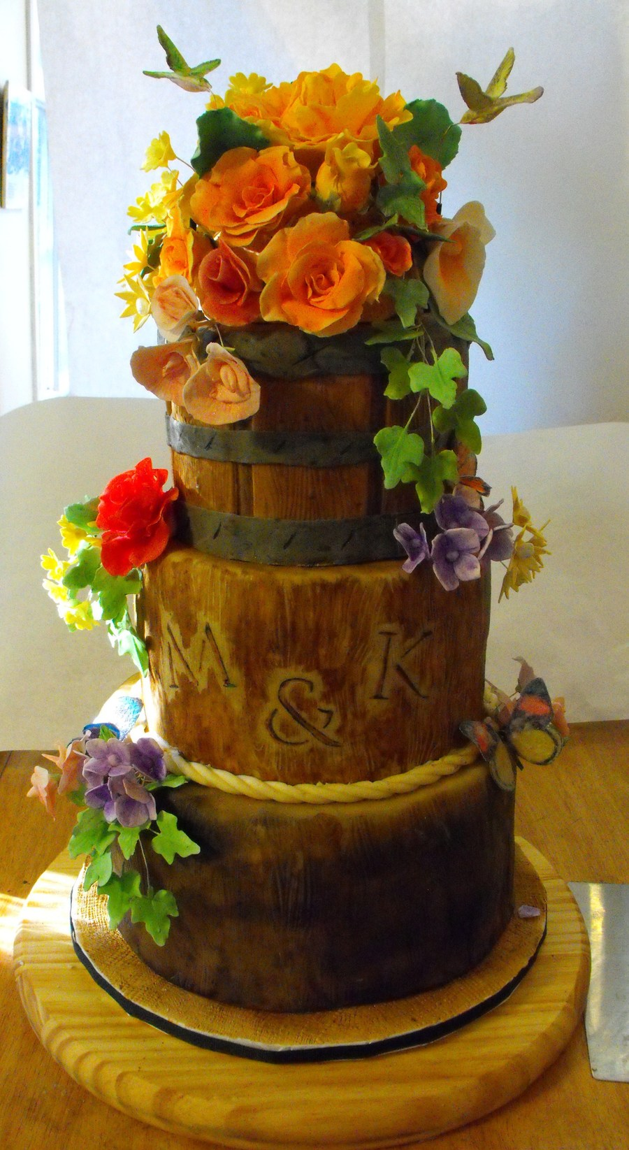 woods themed wedding cakes wood stumps and flower basket cakecentral 27617